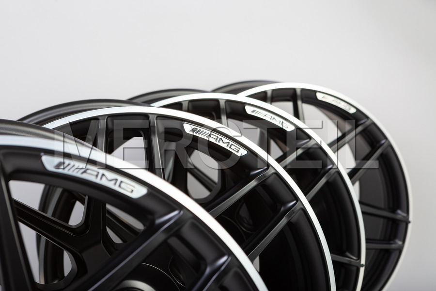20 Inch Set Of Black Rims E63 AMG W213 including Front Rims (2 pcs.), Rear Rims (2 pcs.) in Wheels & Tyres.