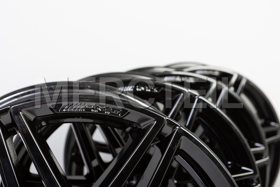 AMG 19 Inch Set Of Alloy Wheels for V Class W447 including Rims (4 pcs.) in Wheels & Tyres.