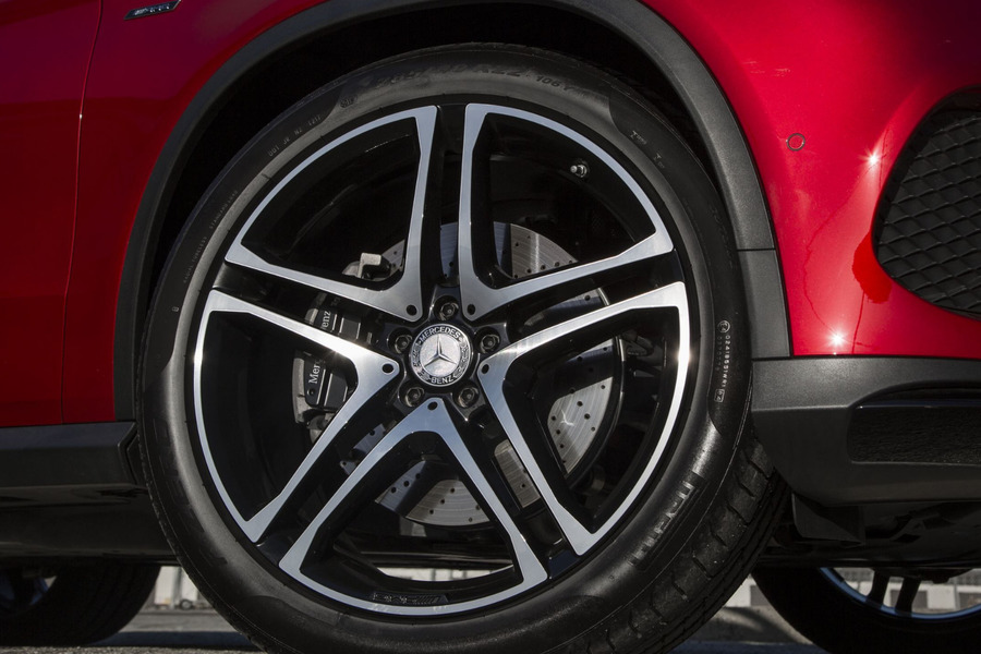 AMG GLE Grey Brake System for GLE Class W166, GLE Coupe C292 including Brake Discs Front Left + Right (2 pcs.), Brake Discs Rear Left + Right (2 pcs.), Fixed Calipers Front Left + Right (2 pcs.), Fixed Calipers Rear Left + Right (2 pcs.), TS Disk Brake Pad Front + Rear (2 sets) in Brakes & Suspensions.