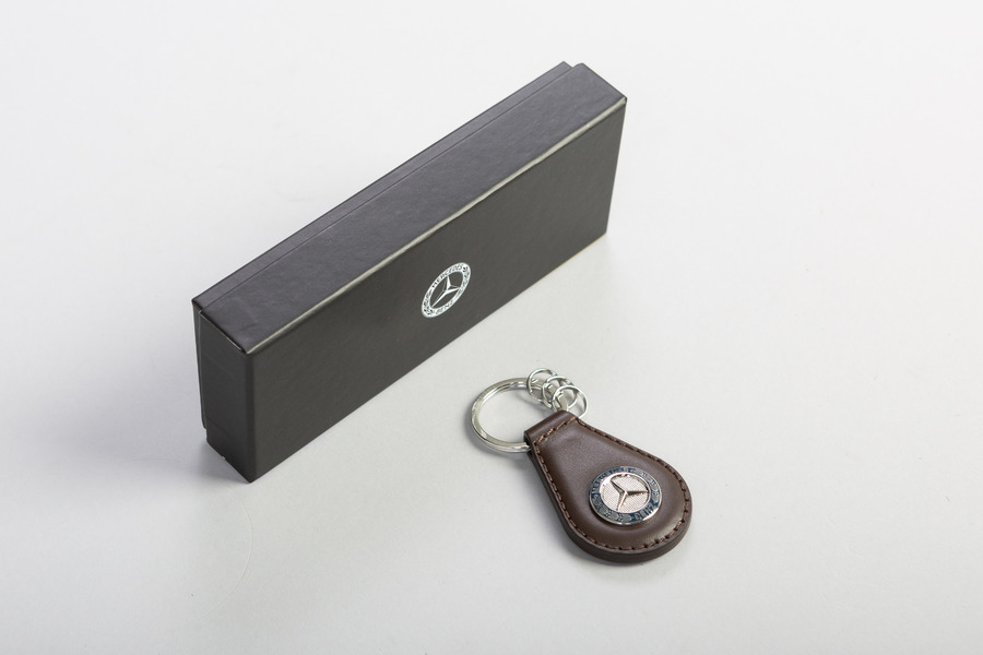 Mercedes-Benz Key Ring Leather including  Keyring (1 pc.) in Accessories.